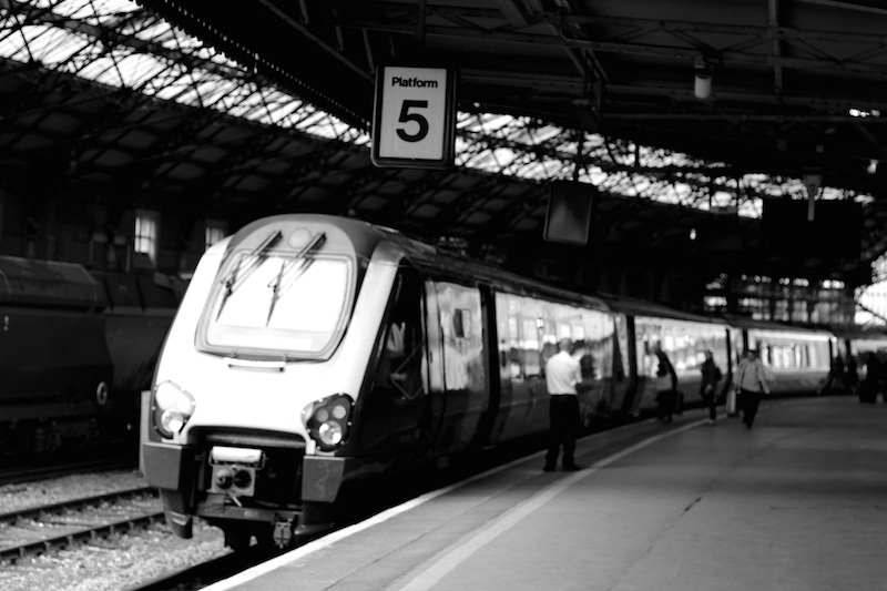 A black & white picture of a train at Temple Meads, Platform 5