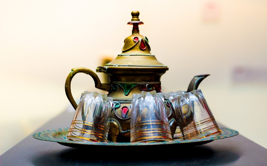 An image of a beautiful moroccan tea set