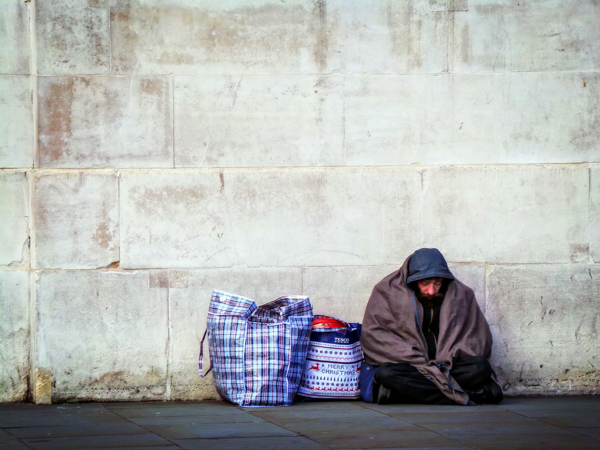 eight simple ways to help the homeless
